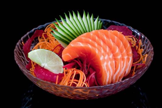 תפריט סוהו - סושי, סשימי - סשימי סלמון (6 פרוסות)