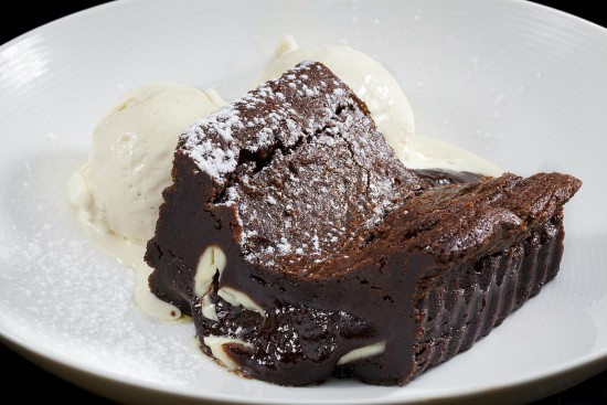 מנת פאדג' שוקולד תוצרת בית במסעדת הסוהו