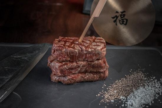 תפריט סוהו - סוהו בשרים - פילה בקר טפניאקי (תוספת לבחירה)